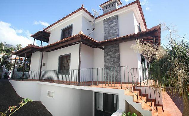 TRAIN HOUSE, FUNCHAL (MADEIRA) ** on